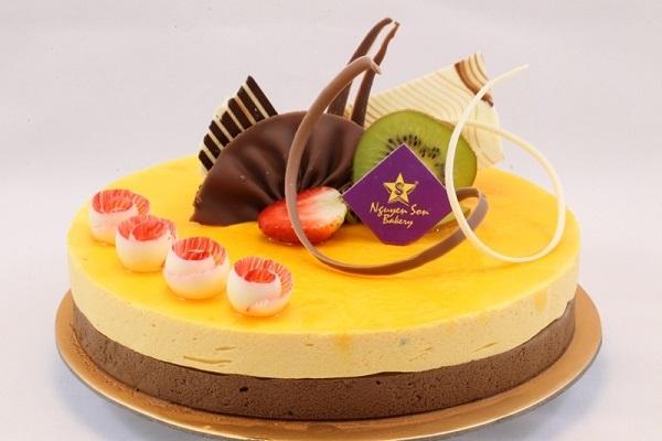 Tiệm bánh sinh nhật Nguyễn Sơn