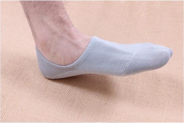 Đi tất dầy-cách xử lý giày thể thao bị rộng