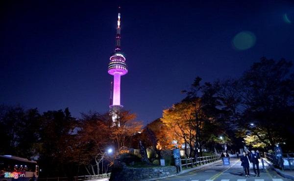 ThápN Seoul ở núi Namsan