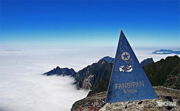 Đỉnh Fanxipan– Nóc nhà Đông Dương