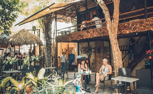 Lối Mòn Cafe