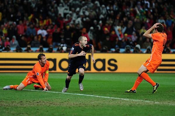 Iniesta giúp Tây Ban Nha lần đầu tiên vô địch World Cup