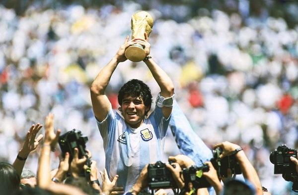 Maradona cùng Argentina vô địch World Cup 1986