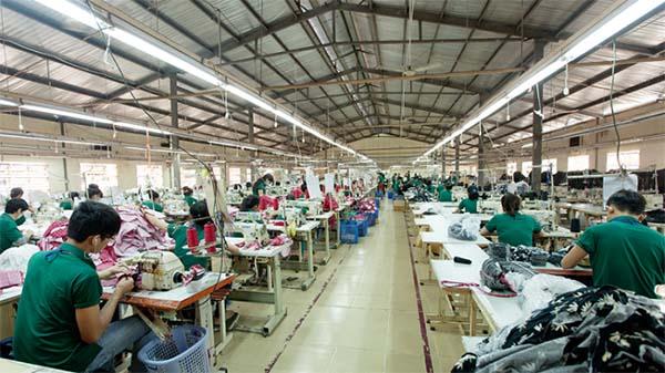 Xưởng gia công áo sơ mi Thuongmua.com