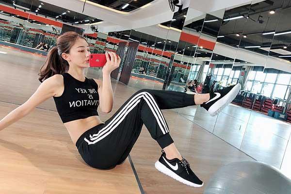 cửa hàng bán quần áo gym nam nữ ở Hà Nội