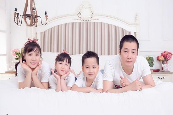 chụp ảnh gia đình tại studio nào đẹp tại TP HCM